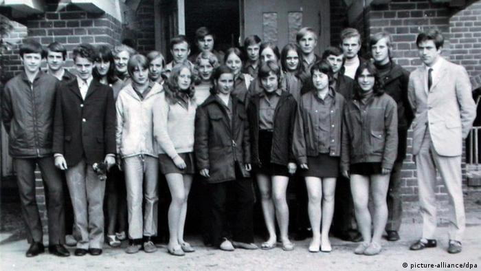 Ангела Каснер (Меркель) с одноклассниками (фото 1971 года)