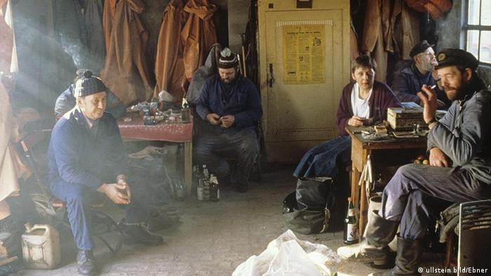 مبارزات انتخاباتی سال ۱۹۹۹: مرکل به هنگام دیدار با ماهیگیران دریای بالتیک