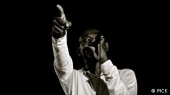 Para MCK, a canção dos dez anos de paz teria que ser sobre o amor, o respeito e, sobretudo, a união