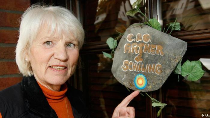 Heidemarie Schwermer lebt seit 15 Jahren ohne Geld