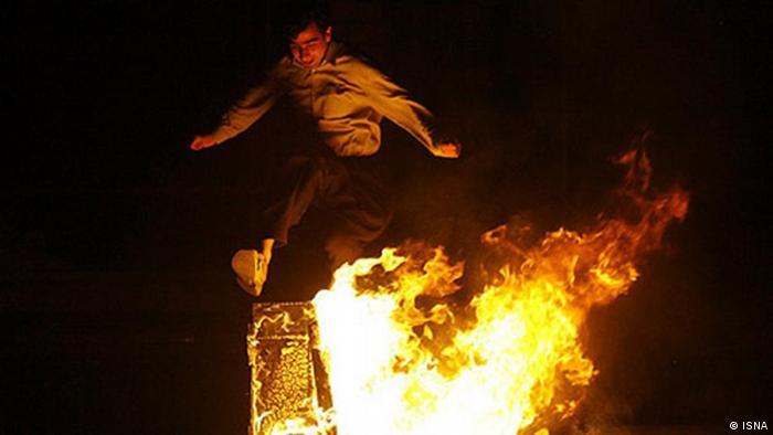 چهارشنبه سوری و فانوسهای سبز | جامعه | DW | 14.03.2012