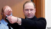 FILE - This is a Monday, Feb. 6, 2012 file photo of Anders Behring Breivik, a right-wing extremist who confessed to a bombing and mass shooting that killed 77 people on July 22, 2011, as arrives for a detention hearing at a court in Oslo, Norway. Norwegian prosecutors on Wednesday March 7, 2012 indicted Anders Behring Breivik on terror and murder charges for slaying 77 people in a bomb and shooting rampage but said the confessed mass killer likely won't go to prison for the country's worst peacetime massacre. Prosecutors said they consider the 33-year-old right-wing extremist psychotic and will seek a sentence of involuntary commitment to psychiatric care instead of imprisonment unless new information about his mental health emerges during the trial set to start in April. (Foto:Heiko Junge, Scanpix Norway, File/AP/dapd) NORWAY OUT