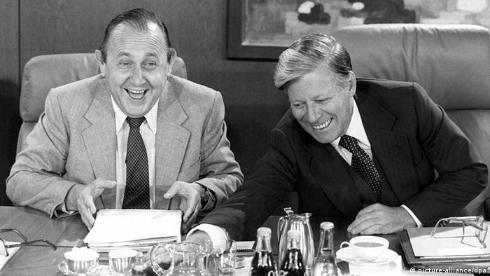 Hans-Dietrich Genscher mit Helmut Schmidt