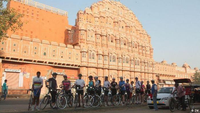 Deutsche bereisen Indien mit dem Fahrrad (DW)