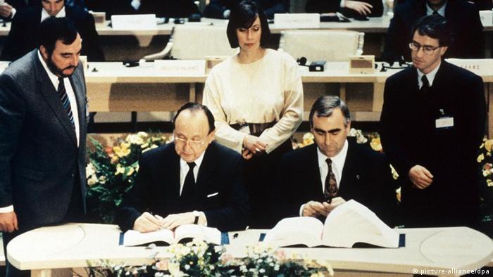 توقيع اتفاقية ماستريخت