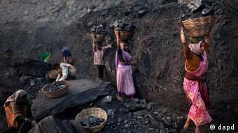 Indien Frauen in Kohlenbergbau in Jharkhand