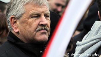 Deutschland NPD BHG-Urteil Udo Voigt bei einer Demonstration