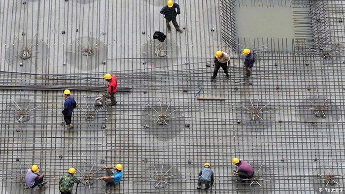 China Wirtschaft Bauboom in Shenyang Baustelle