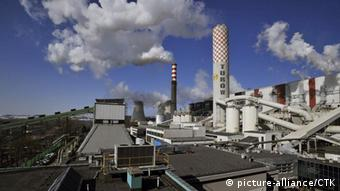 Operation of power plant in Turow, the second biggest power plant in Poland. (CTK Photo/Radek Petrasek) dpa 17885023
