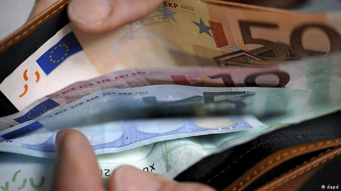 Symbolbild Geld Euro Portemonnaie