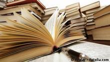 Buch Bibliothek Symbolbild