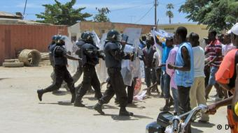 Police in Angola disperse a demonstration organised by the opposition Nelson Sul d'Angola (DW)