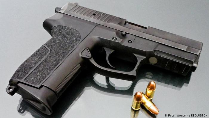 Pistole Waffe Munition