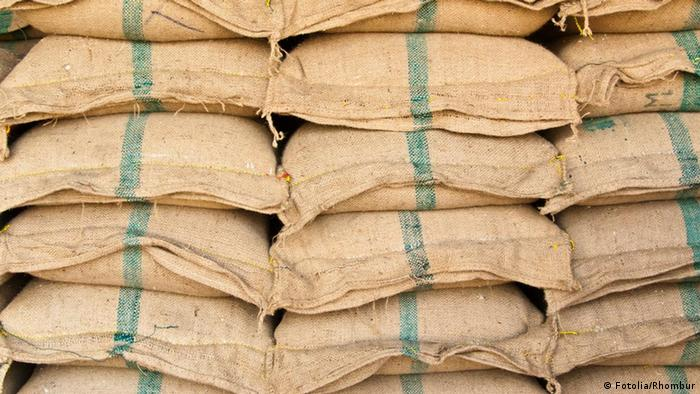 Säcke mit Reis (Fotolia/Rhombur)