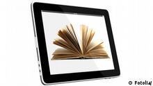 Buch ditigal Symbolbild digitales Bibliothek Tablet Computer