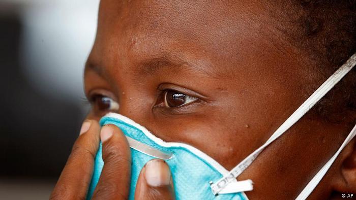 Los pacientes deben ser aislados durante dos semanas y deben tomar medidas anticontagio.