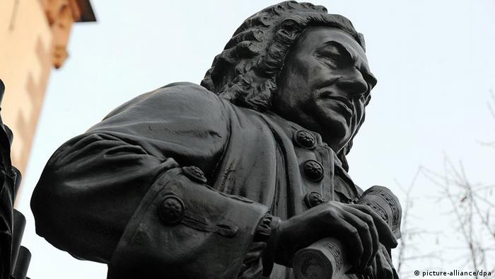 A statue of Bach Photo: Waltraud Grubitzsch