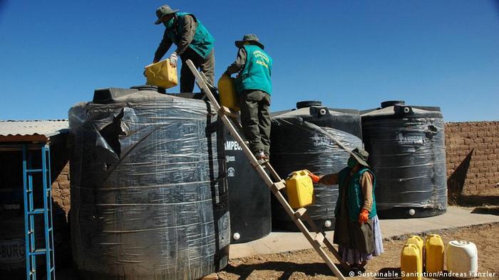 Urine collection tanks