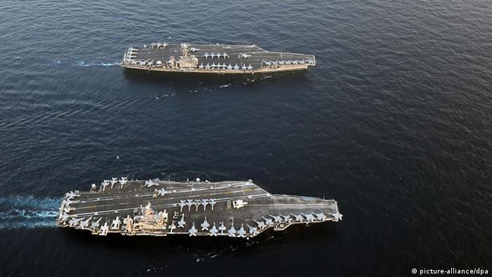 US Navy carriers in the Arabian Sea, January 2012. Photo: Eric S. Powell / US Navy photo / +++(c) dpa - Bildfunk+++