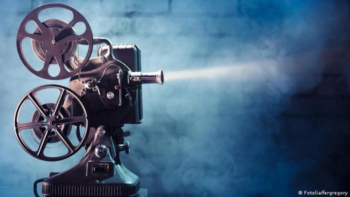 Resultado de imagem para projeção de cinema
