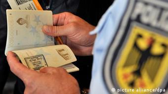 Deutschland Einreise Visum Reisepass Kontrolle