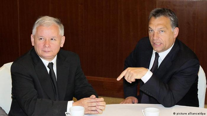 Hungary's Prime Minister Victor Orban (R) and his Polish counterpart Jaroslaw Kaczynski.