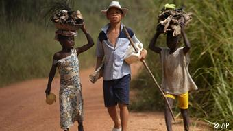 Kinderarbeit Afrika Elfenbeinküste Kakao Plantage