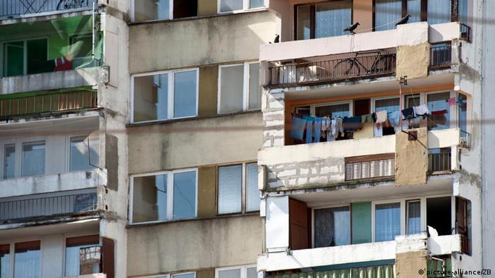 Житлово-експлуатаційні контрори радянського зразка часто не в змозі дати раду застарілому житловому фонду