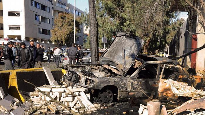 ویرانی ناشی از انفجار بمب در دمشق