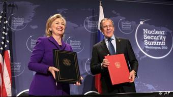 Secretaria de Estado de EE. UU., Hillary Clinton, y ministro de Exteriores Ruso, Sergey Lavrov, en Washington.