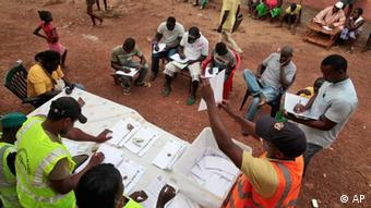 Observadores internacionais consideram eleições justas, mas não conhecem país