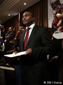 Abel Chivukuvuku, ex-membro da UNITA e líder da CASA, almeja a presidência do seu país