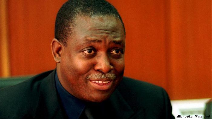 Manuel D. Vicente Politiker Angola Afrika (picture alliance/Lori Waselchuk)