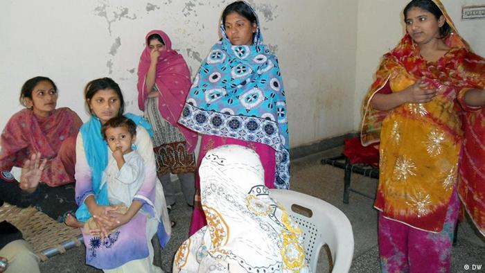 Bilder zum Thema karo-kari Ehrenmorde in Pakistan (DW)
