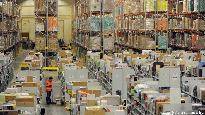 Lager im Logistikzentrum des Online-Großhändlers Amazon in Bad Hersfeld (Foto: dpa)