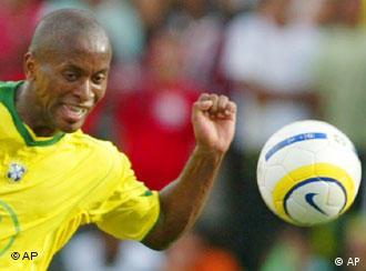 Foco do meia está ajustado: Copa do Mundo e igualdade no futebol
