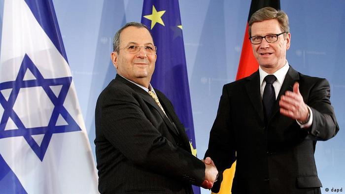 گیدو وستروله، وزیر امورخارجه آلمان (راست) و اهود باراک، وزیر دفاع اسرائیل