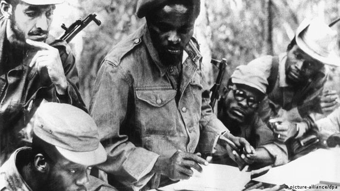 Guerilheiros na luta anti-colonial em setembro de 1969 (fotografia de arquivo da União Sovética) - muitas vítimas do 27 de maio eram antigos combatentes da luta contra o colonialismo português