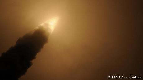 Raumfahrt Europäische Rakete mit Weltraumfrachter auf dem Weg zur ISS