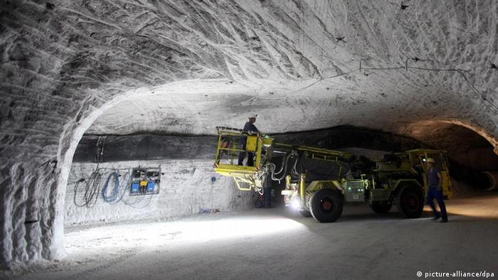 Engineers investigate the Gorleben salt mine as a possible nuclear waste storage facility (Photo: Kay Nietfeld)