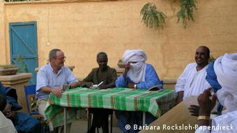 Henner Papendieck in northern Mali (photo by von Dirke Köpp)