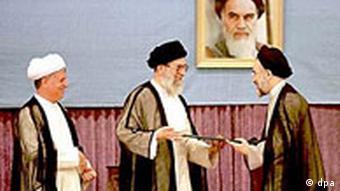 اکبر هاشمی رفسنجانی و محمد خاتمی، روسای جمهور پیشین ایران و علی خامنهای، رهبر جمهوری اسلامی
