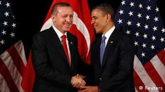 U.S. President Barack Obama (R) shakes hands with Turkey's Prime Minister Tayyip Erdogan Copyright: Larry Downing/REUTERS