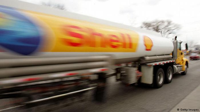 MOUNT PROSPECT, IL - MARCH 30: A Shell Oil tanker truck moves down a street March 30, 2005 in Mount Prospect, Illinois. The average price of a gallon of regular unleaded gasoline is now up to $2.153, setting yet another record price. (Photo by Tim Boyle/Getty Images)