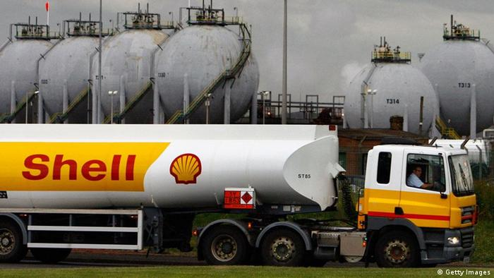 GRANGEMOUTH, UNITED KINGDOM - JUNE 17: Tanker drivers working for Shell, return to work after a four day strike June 17, 2008 in Grangemouth, Scotland. The strike, which started on Friday, has left many petrol stations across the country running out of fuel. Another dispute is planned if no deal is reached in the pay dispute. (Photo by Jeff J Mitchell/Getty Images)