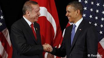 US-Präsident Obama und der türkische Premier Erdogan vor dem Gipfel zur Nuklearsicherheit in Seoul (Foto: Reuters)