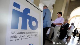 110 γερμανοί οικονομολόγοι συμμετείχαν στο πάνελ του Ινστιτούτου IFO του Μονάχου