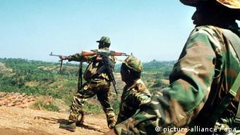 Guerra civil angolana terminou há 10 anos, mas foi substituída pelo conflito de interesses