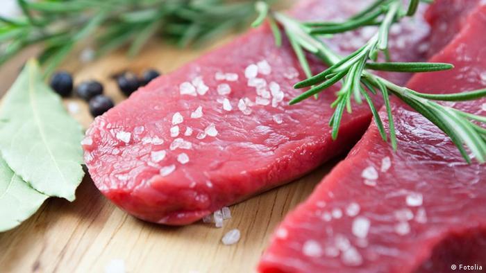 Steak mit Salz Salzkristallen