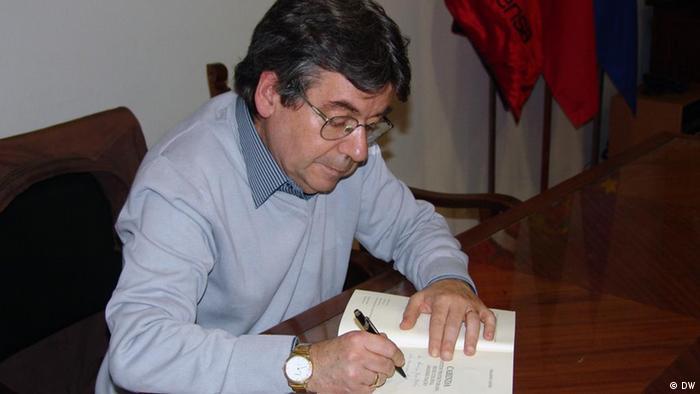 O jornalista, blogueiro e analista Orlando Castro